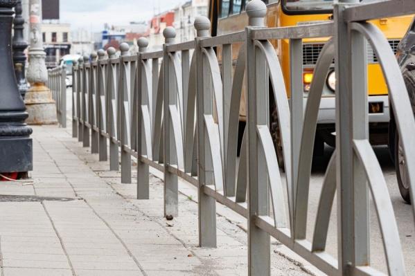 Мэрия Екатеринбурга определилась со списком улиц, где будут убраны заборы