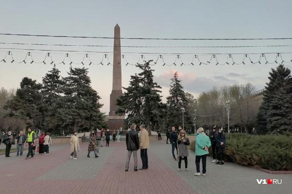 Оппозиционеры и их приверженцы вышли на площадь Павших Борцов