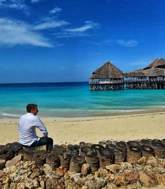 Главное достоинство самого Занзибара — бесконечные пляжи с пока чистым океаном