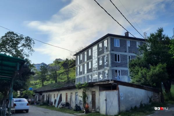 В Сочи многие дома построили на землях ИЖС