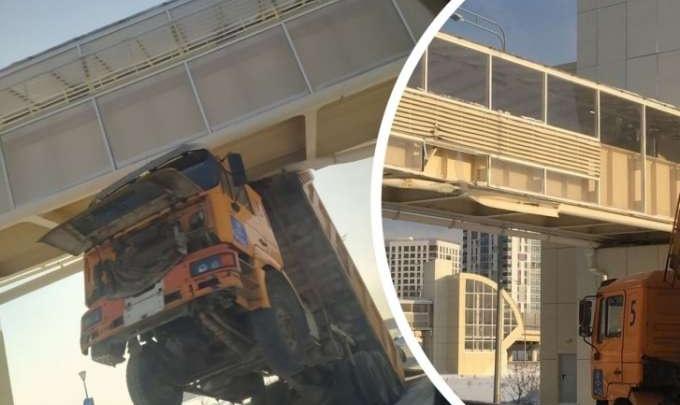 Водителю грузовика, протаранившего надземник на Монтажников — Федюнинского, вынесли приговор
