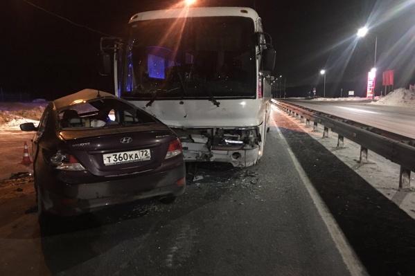 Столкновение с автобусом закончилось для водителя легкового авто смертью