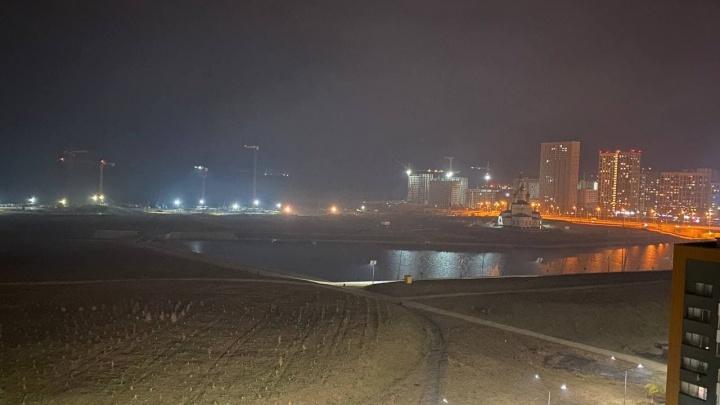 «У нас как будто тут газовая камера»: Екатеринбург вновь накрыло смогом