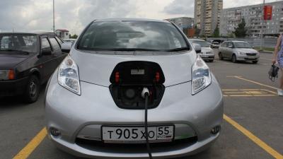 «Оставить выхлопные газы за городом»: владельцы электромобилей добиваются установки зарядной станции