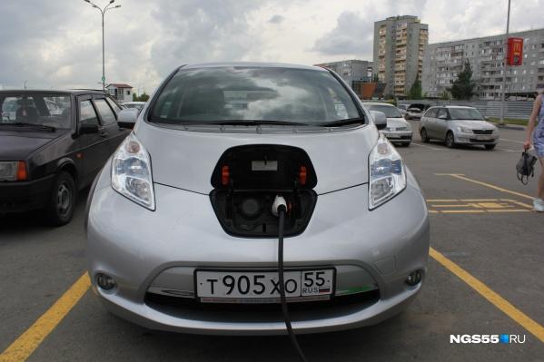 Мест для зарядки электромобилей крайне мало