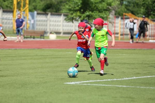 В соревнованиях приняли участие маленькие футболисты из Чайковского, Перми, Ижевска, Кирова, Нефтекамска, Бирска, Сарапула