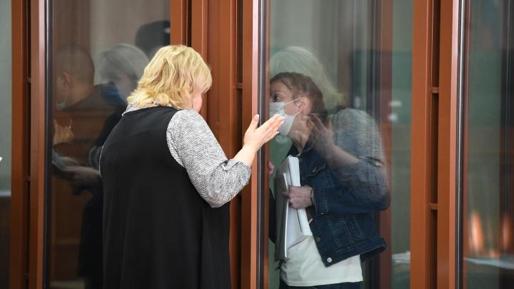 «Пятна крови на переднем сиденье вас не смутили?» В Екатеринбурге судят убийц Ксении Каторгиной