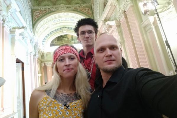 Александр Беляков (справа) с участниками «Битвы экстрасенсов» — Анастасией Казанцевой и Кириллом Ковякоховым