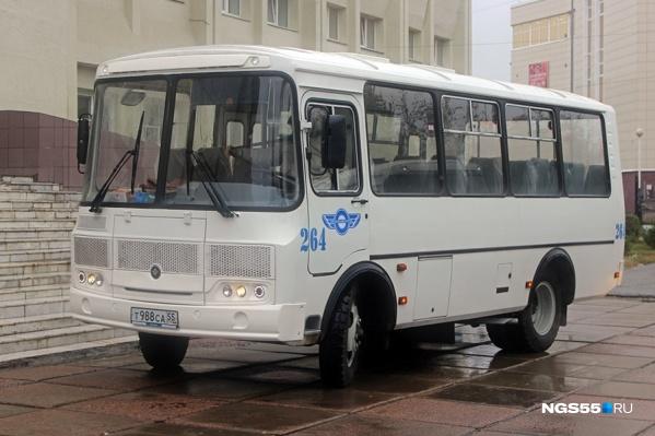 На пригородных маршрутах в основном ходят ПАЗы и машины малого класса