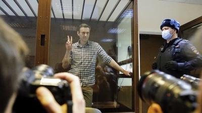 Навального приговорили к штрафу за клевету на ветерана
