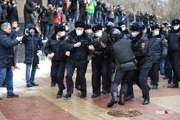 В России на акция протеста 23 января задержали 1908 человек