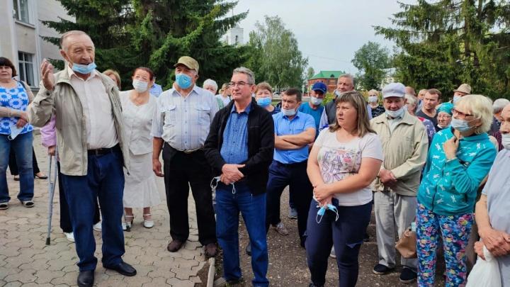 Жители нескольких районов Башкирии вышли на акцию против реорганизации больниц