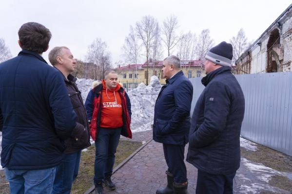 В Междуреченск на совещание приехал замгубернатора по строительству