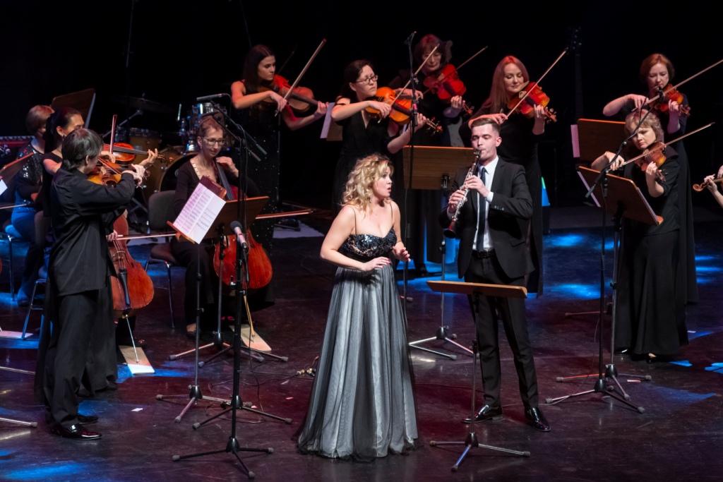 Со сцены Концертного зала артисты поздравят коллегу с юбилеем