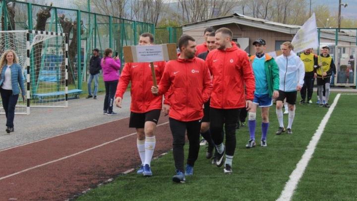 Красноярские горняки посвятили 20-летию СУЭК чемпионат по мини-футболу