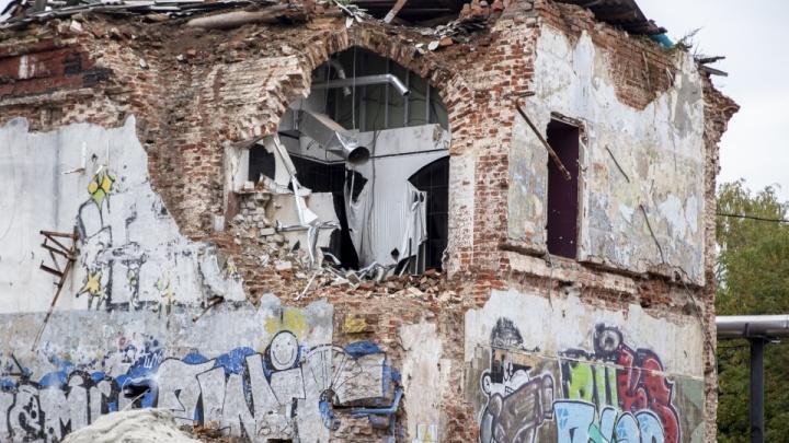 «На месте Волковского театра построить ФОК»: как ярославцы относятся к сносу старинных зданий