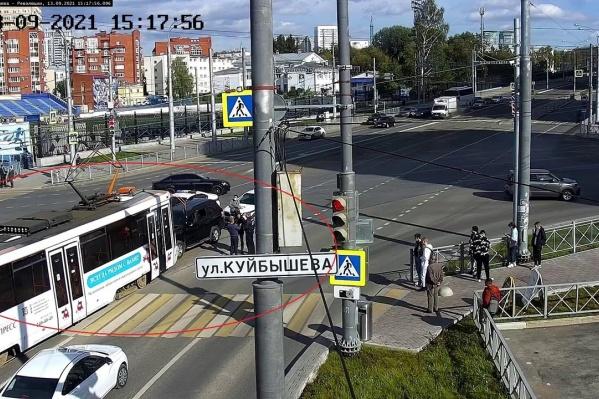 Авария случилась на перекрестке Куйбышева и Революции