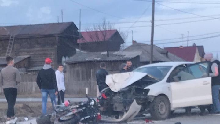 В Тюменском районе иномарка сбила 54-летнего мотоциклиста