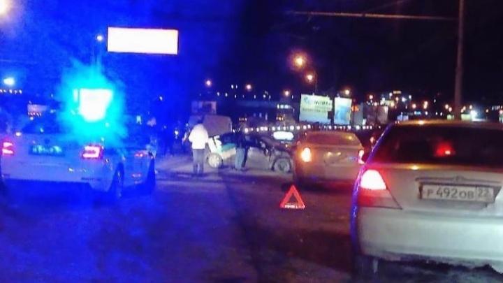 Девушка вылетела из окна: несколько человек пострадали в лобовом ДТП на проезде Энергетиков