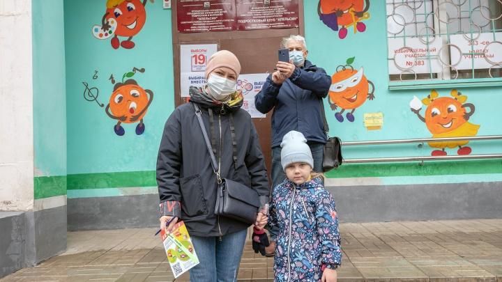Уфа голосующая: фоторепортаж с избирательных участков