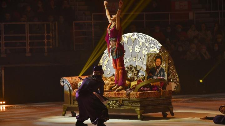 В Екатеринбурге прошел закрытый показ ледового шоу Татьяны Навки, на котором пел Киркоров