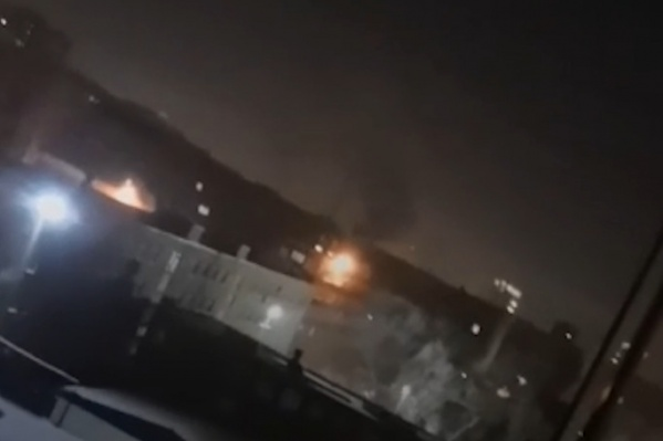 Дым шел от здания на проспекте Победы