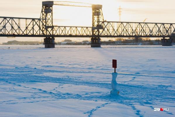 Сейчас движение по Северодвинскому мосту перекрывают по ночам — с 00:00 до 05:00 <br>