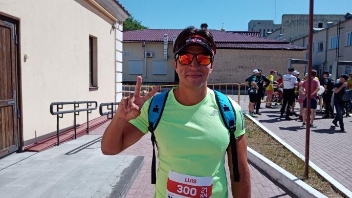 «Не знал, где Омск, поэтому решил приехать сюда»: мексиканский бегун поучаствовал в полумарафоне