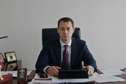 Дело главы администрации Азова передали в суд