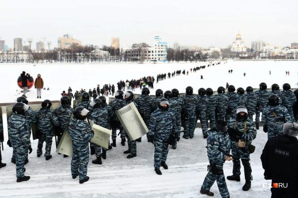 В полиции раскрыли уголовное прошлое задержанных на незаконных акциях протеста