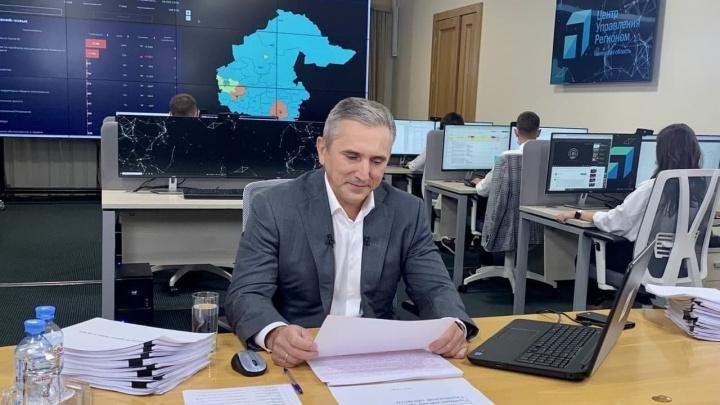 Моор: тюменские поликлиники будут принимать пациентов и без прививки от ковида