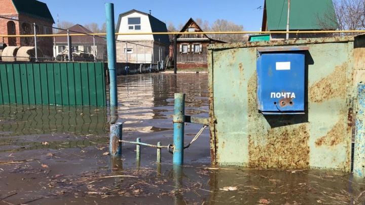 Уфимский Робинзон: в столице затопило жилой дом, хозяин остался один среди воды