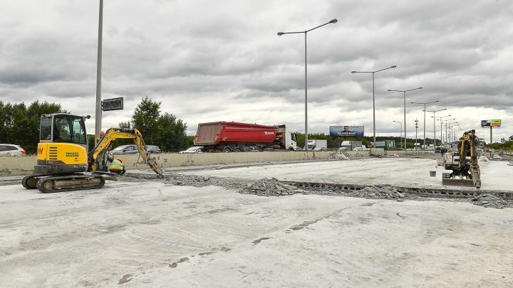 Есть шанс, что сдадут в срок: строителям удалось получить разрешение на ремонт моста на Луганской