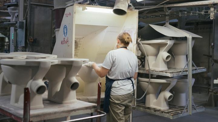 «Наша сантехника — в каждом четвертом доме страны»: показываем изнутри завод «Самарский Стройфарфор»