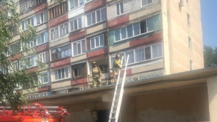 В Тюмени мужчина выпрыгнул из окна, испугавшись пожара