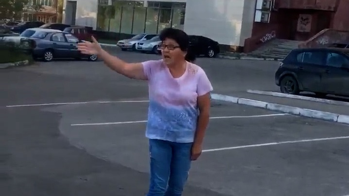 «Дай бог вам разбиться!» Жительница Магнитогорска набросилась на неопытную автомобилистку