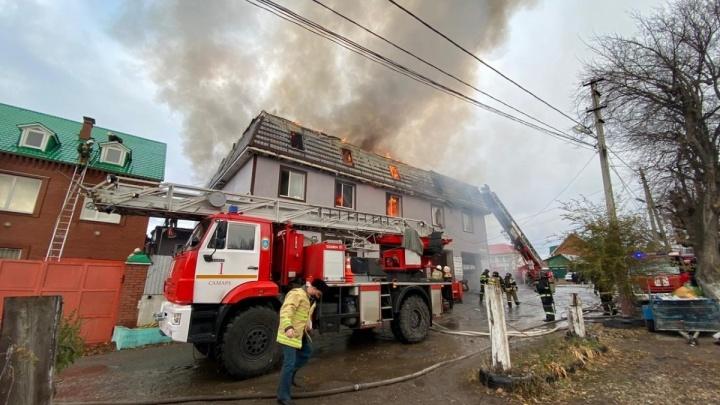 Люди сгорели заживо: за пожар в хостеле на Промышленности отчитали полицейских и чиновников