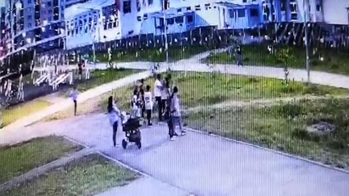 В Академическом мужчина решил проучить 8-летнего ребенка, поднял его над головой и бросил об землю