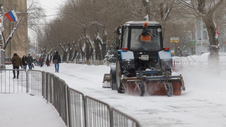 Разворачивали самолеты и очищали дороги: хроника февральской непогоды в Волгограде