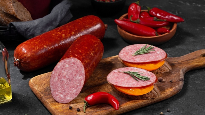 Годовой запас колбасы и наборы для пикника каждую неделю: как получить подарки от «Быстронома»