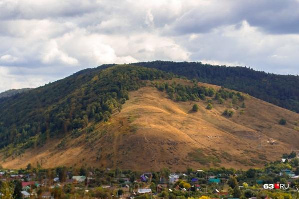 Село Ширяево находится у подножья Жигулёвских гор