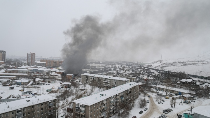 Вреда жителям соседних домов нет: в Минэкологии отчитались о проверке гари от пожара на Калинина
