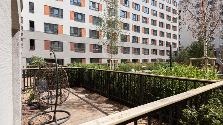 Чем отличается балкон от лоджии, а чердак — от мансарды? Разбираемся в архитектурных терминах, которые путают все