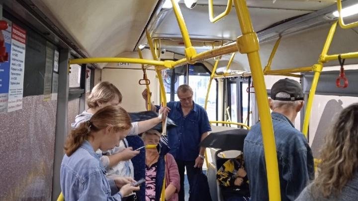 Автобусы дали течь: ярославцы пожаловались на дырявый общественный транспорт