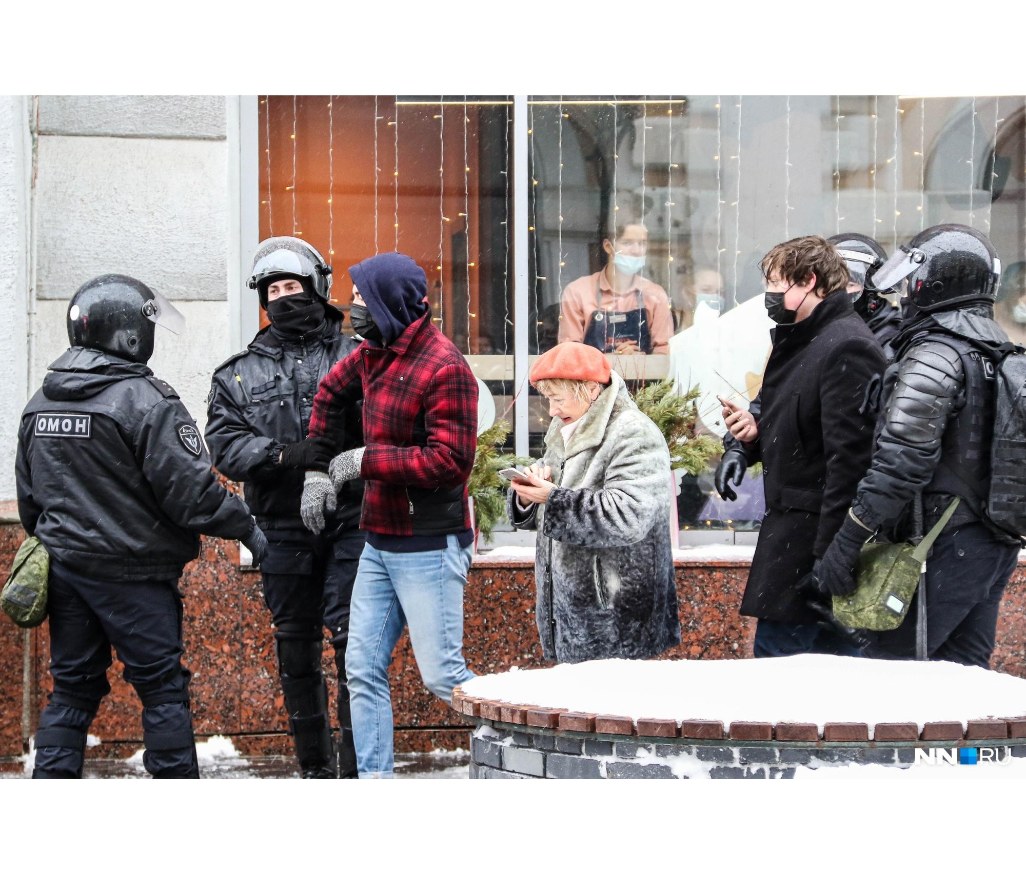 Шествие 31 января должно было пройти по главной пешеходной улице Нижнего Новгорода. В планы митингующих вмешались силовики