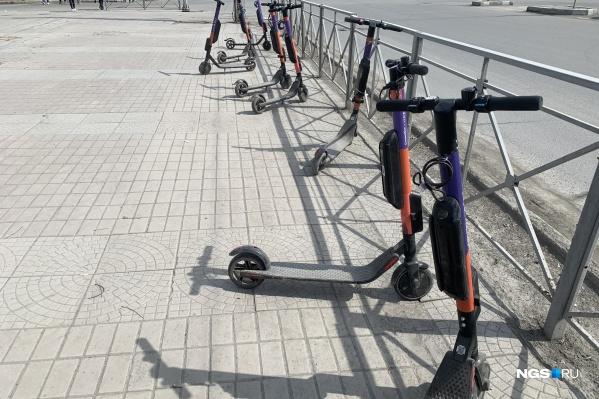 Пока передвижение на электросамокатах никак не согласовано с властями города