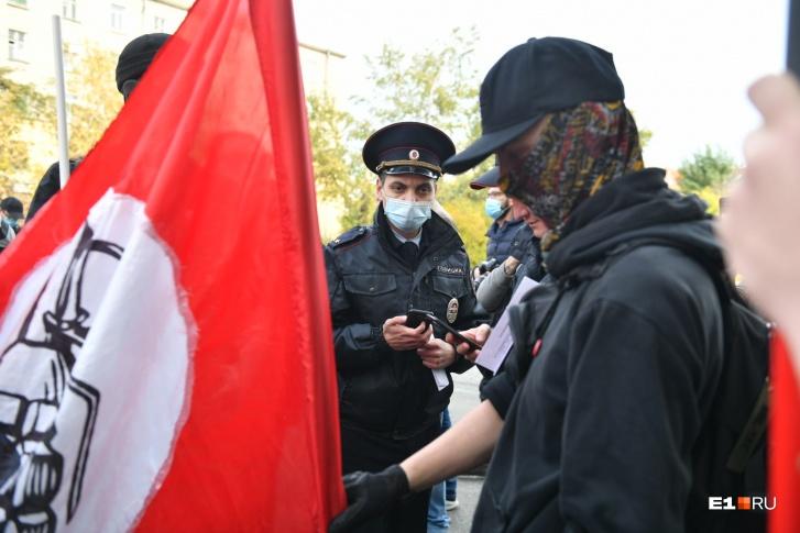 К участникам согласованной акции полиция подходила еще во время ее проведения