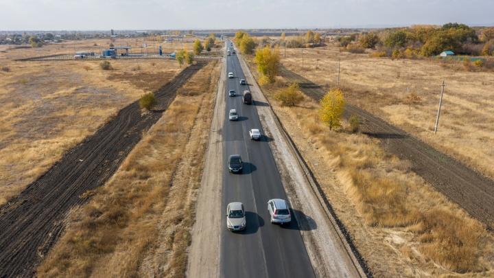 Под Волгоградом на скандальной трассе в пойме сбили пешехода