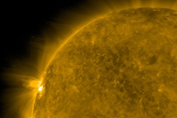 Вспышка произошла почти на самом краю Солнца