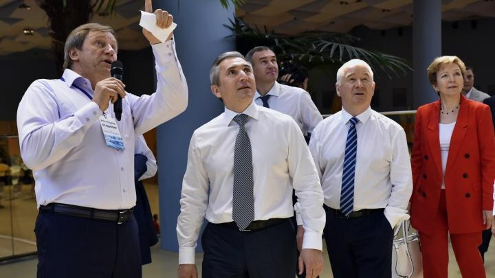 Губернатор освободит от налогов компании тюменского олигарха, алкогольные и мусорные заводы